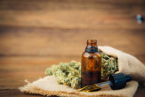 代替療法としての可能性:癌のための大麻オイル